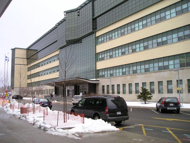 Exterior_of_Ecole_Polytechnique_de_Montreal